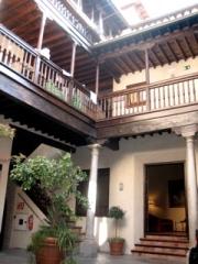Casa de los Migueletes courtyard