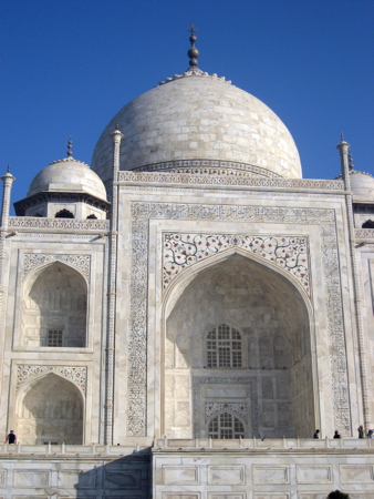 Closer view of the Taj Mahal