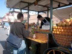 Jon buys Orange Juice in the Djamma el fna