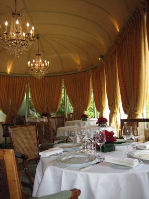 Le Pre Catelan garden dining room