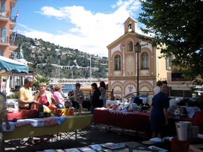 Sunday bric-a-brac market in Villefranche-sur-Mer