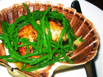 sea scallops and samphire at Marquess Tavern