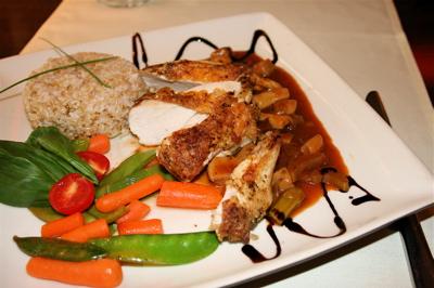 grilled chicken at Noir et L\'Or, Budapest