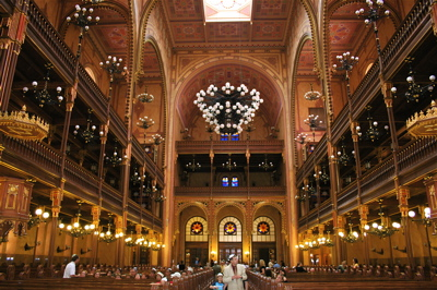 Interior of Budapest\'s Great Synagogue
