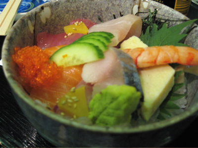 chirashi sushi at Tomoe