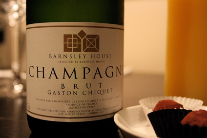 house champers and truffles upon arrival