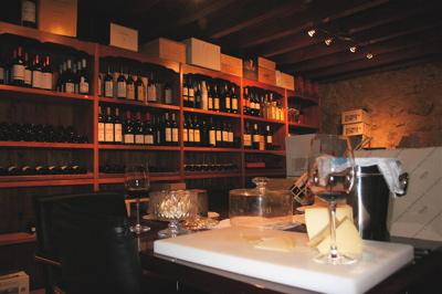 El Rastrillo wine (and antiques!?!) shop in Penafiel, Spain