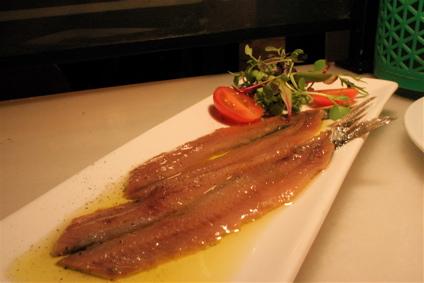 marinated anchovies for 13 euros at Bar Mut