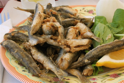 fried anchovies at an unnamed Karakoy Fish Market place