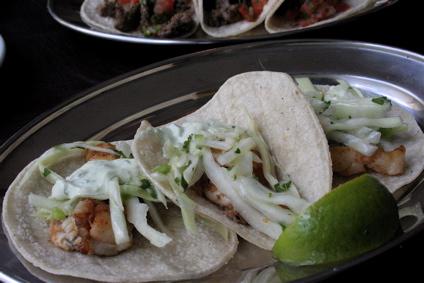 tacos de pezcao (fish)