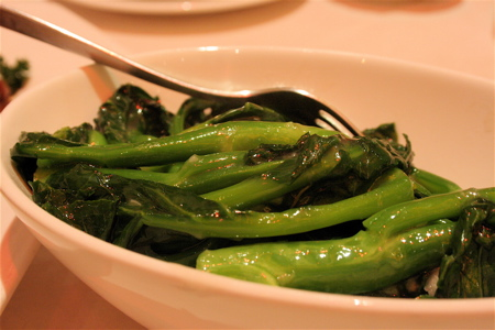 gai lan in garlic sauce